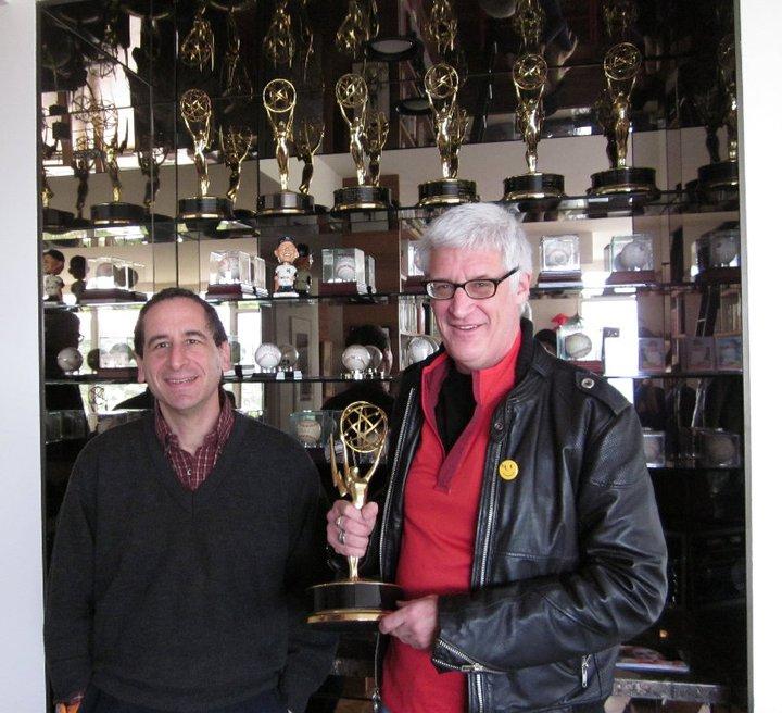 Kevin Curran (derecha) junto a su amigo y también guionista de Los Simpson Mike Reiss