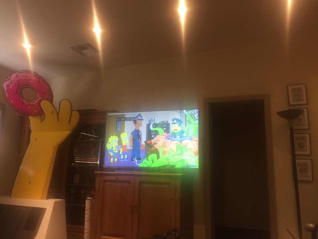 Los Simpson, episodio: Treehouse Of Horror XXIX