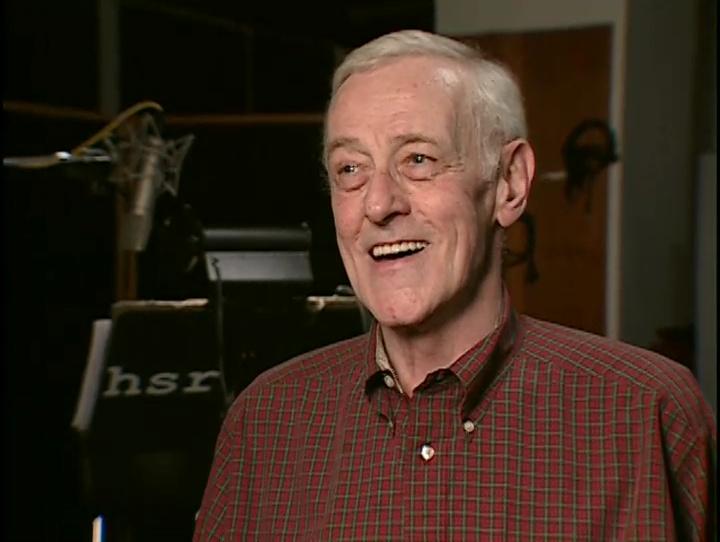 John Mahoney en el estudio de Los Simpson.
